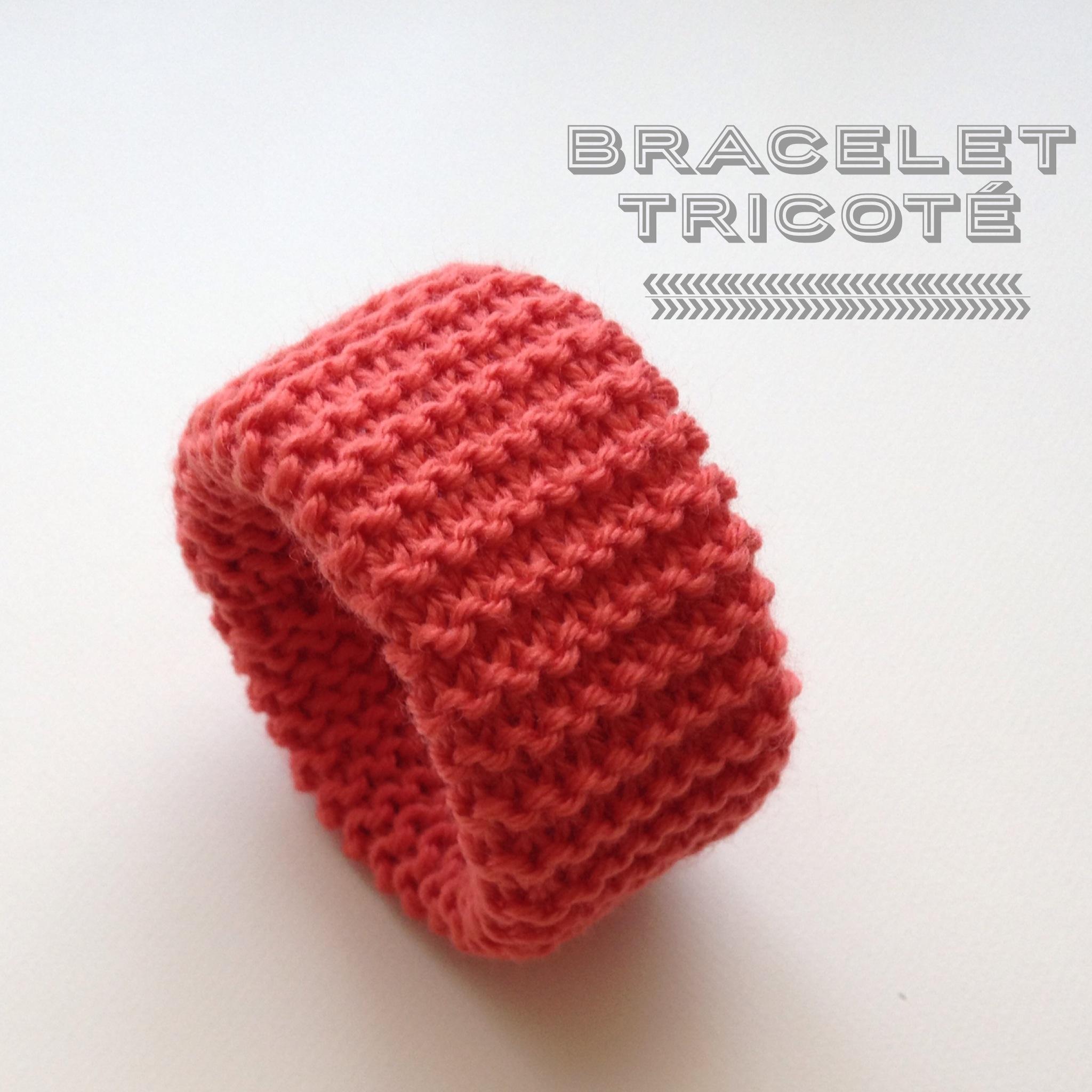 Bracelet tricoté