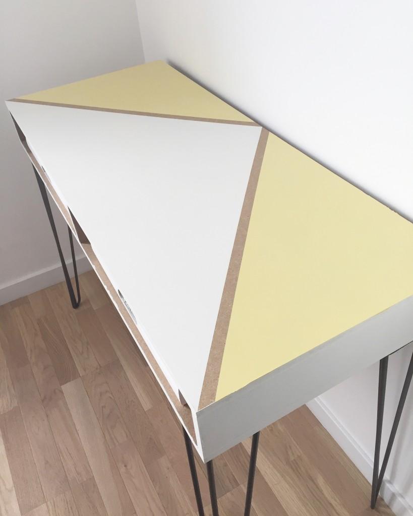 bureau jaune blanc
