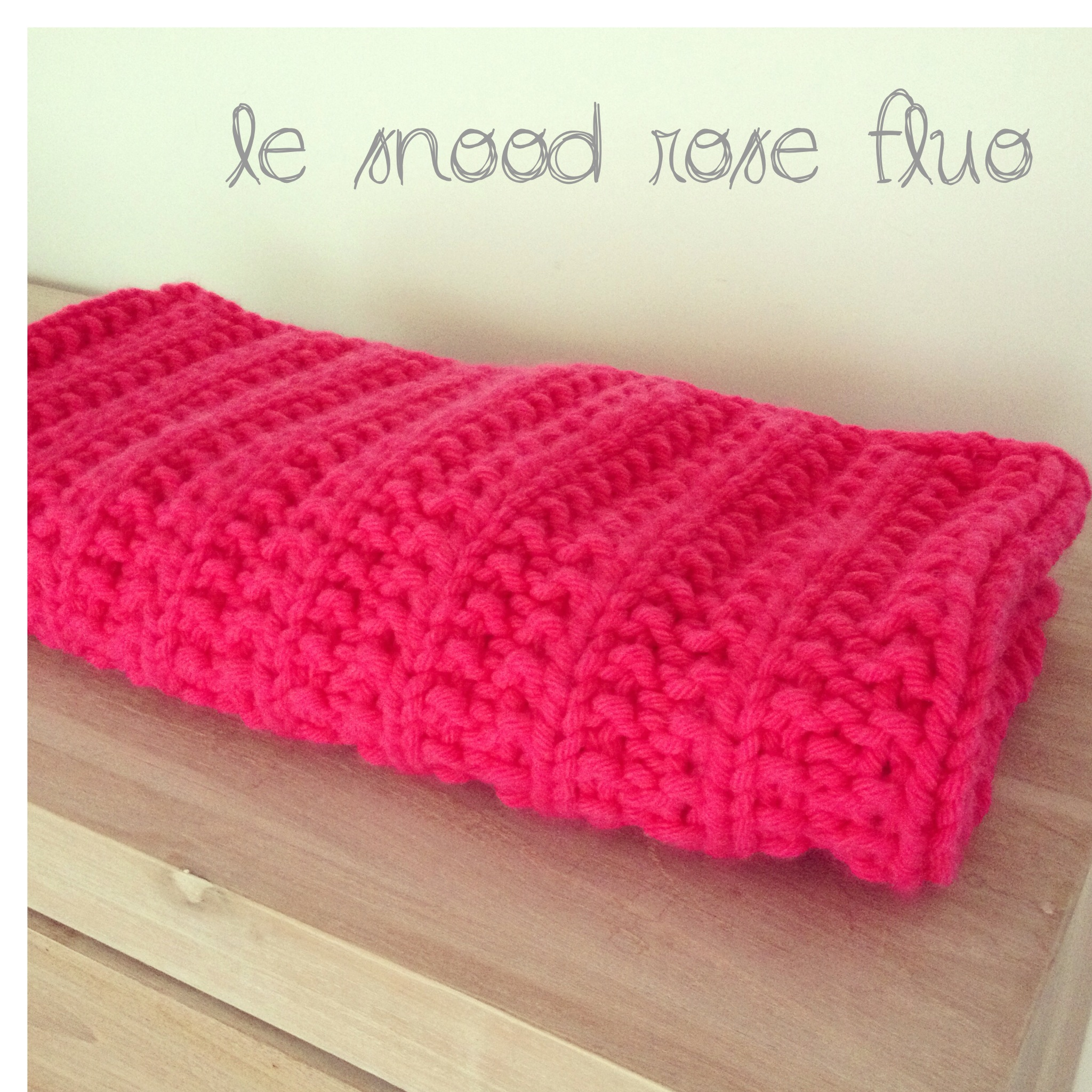 Le snood rose fluo